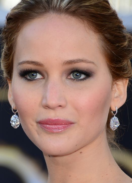 jennifer-lawrence-oscar-makeup-h724