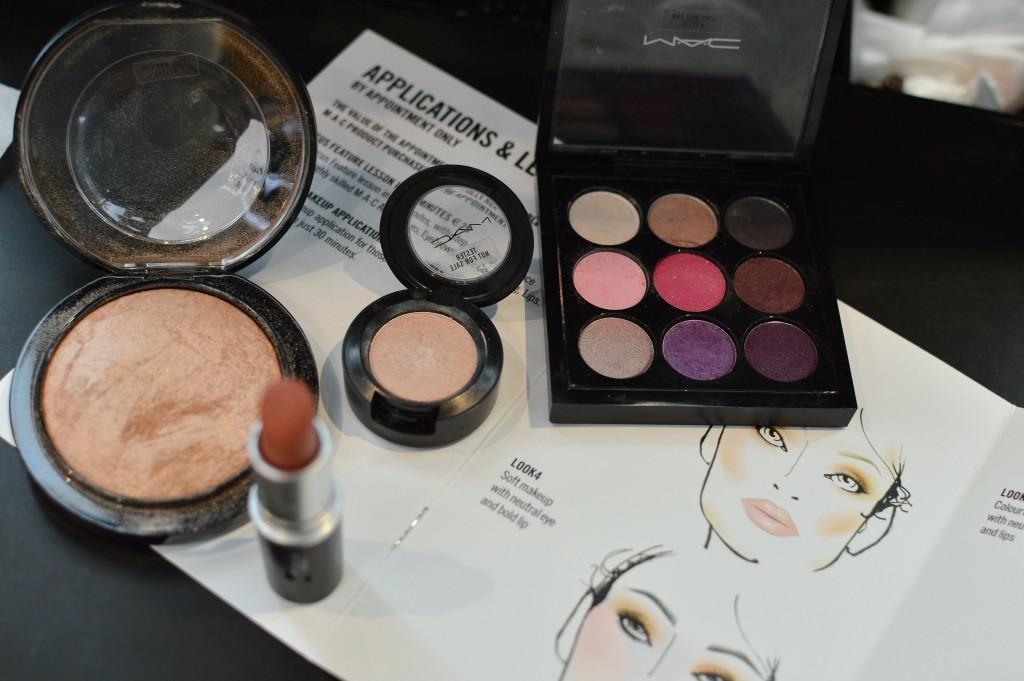 Highlighter and eyeshadows MAC