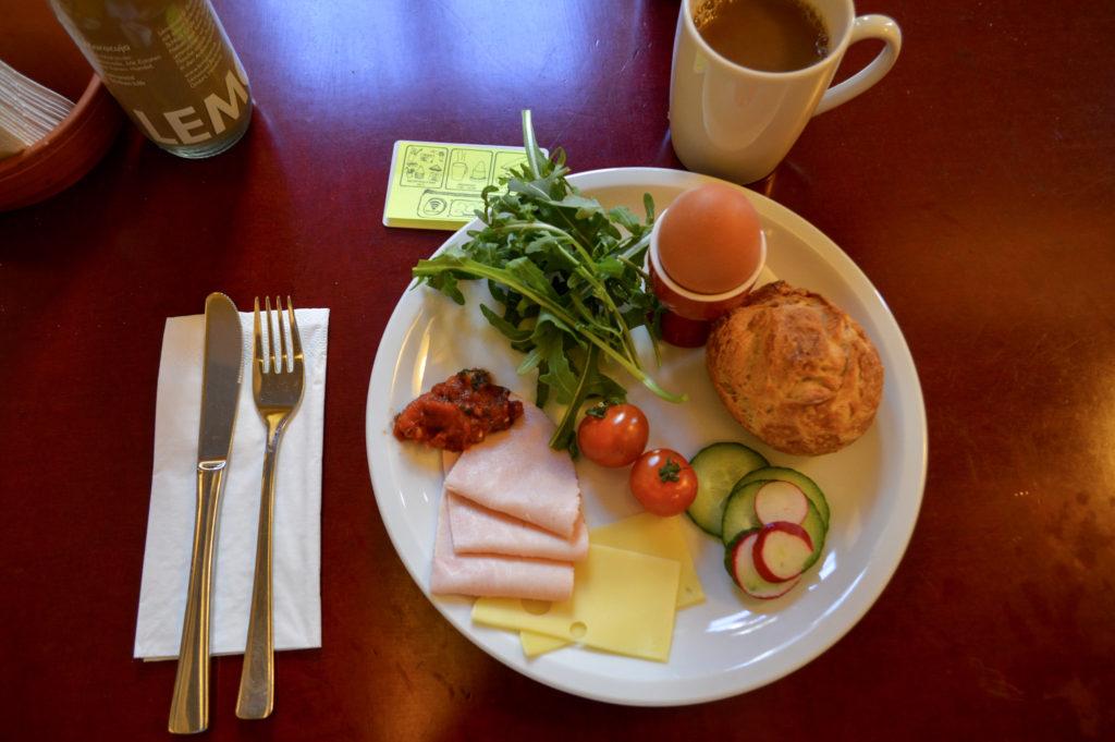 Superbude breakfast
